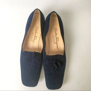 SALVATORE FERRAGAMO navy blue loafers